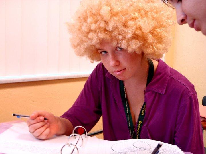 Zoe in wig